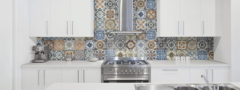 8x8_marrakesh_color_mix_hd_porcelain_tile_lifestyle-1920x1080